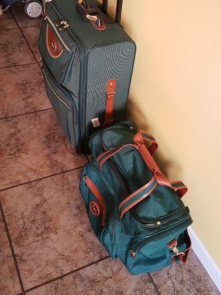 maleta mediana con bolso de viaje a juego