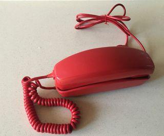 Teléfono góndola antiguo rojo