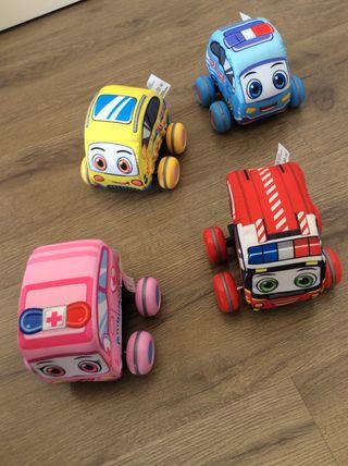 Mini vehículos de tela y espuma