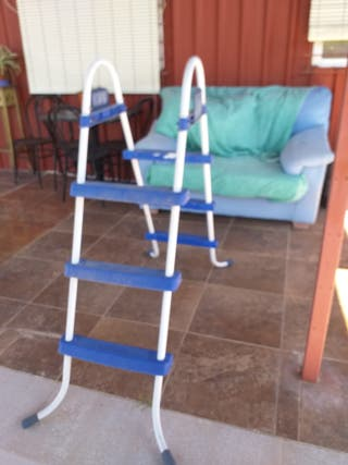 Escalera para piscina mediana