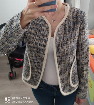 chaqueta de tweed tipo Chanel