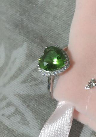 anillo forma de corazón zultanite