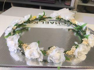 Tiara flores marca siena nueva