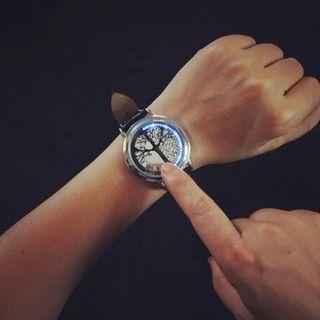 Reloj Digital novedoso y elegante