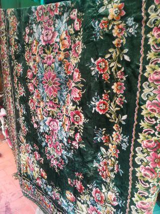 alfombra grande 2,45 por 1,75