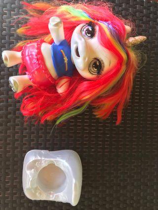 Muñeca poopsie silime(hace caca slime)