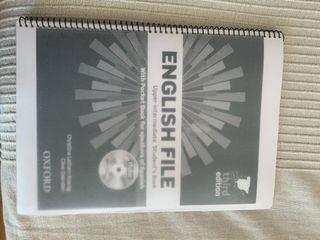 Libro mención de Inglés Facultad Educaci