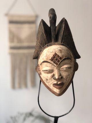Máscaras africanas punu e igbo