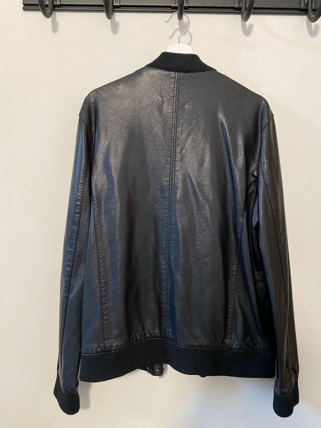 Chaqueta de cuero Zara talla XL