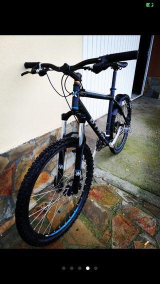 Btwin Rockrider 500