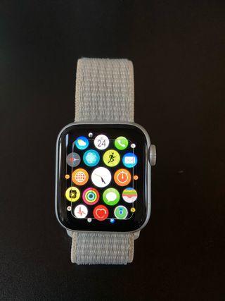 Apple Watch Nike Series 4 40mm GPS PERFECTO ESTADO
