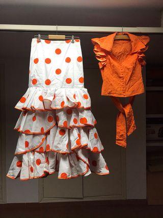 Conjunto flamenca falda y blusa perforada