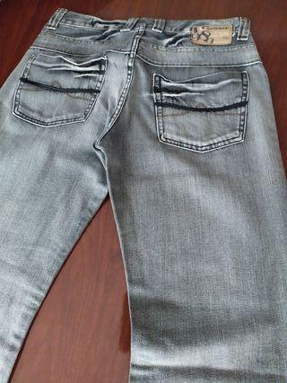 Pantalón vaquero talla 42 nuevo