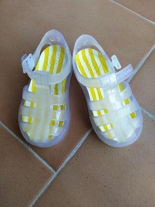 cangrejeras sandalias bebe ZARA talla 20.Nuevas