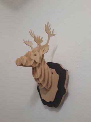 decoración ciervo madera 3d