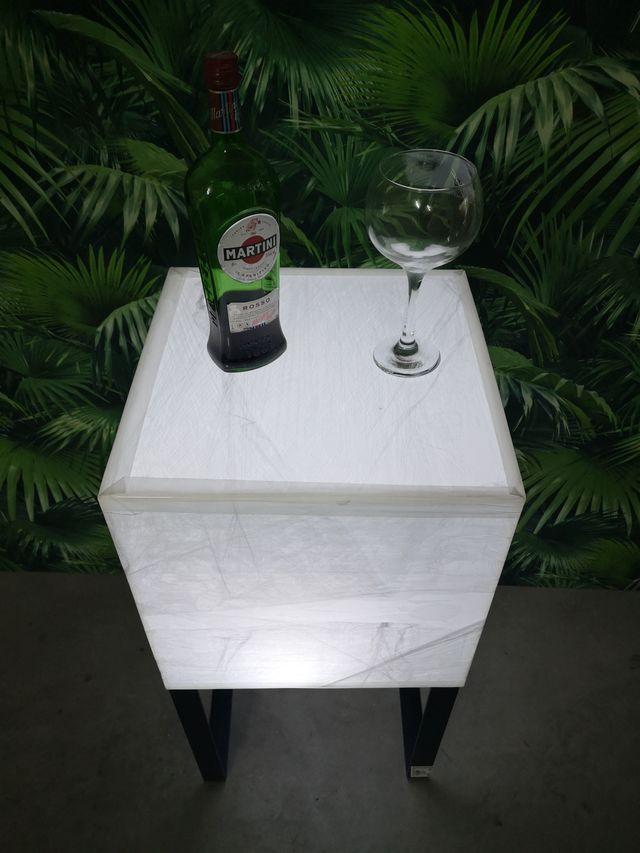 Muebles en polietileno con iluminacion led rgb
