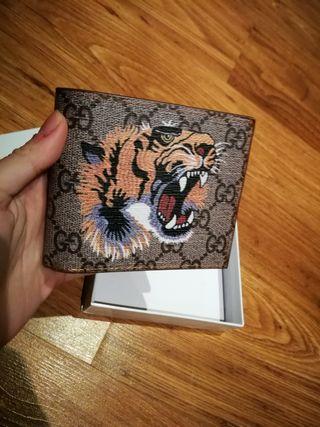 cartera de hombre tigre