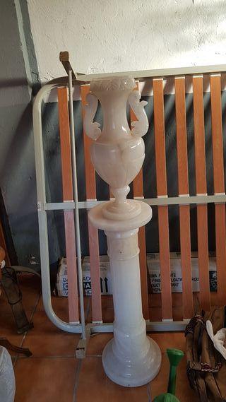 Alabastro columna decorativa jarrón