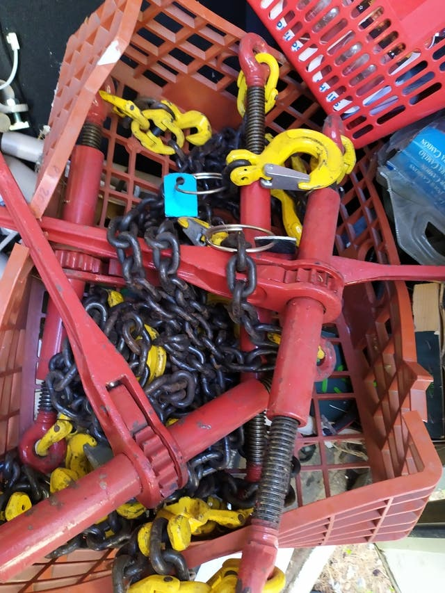 carracas de cadenas metalicas