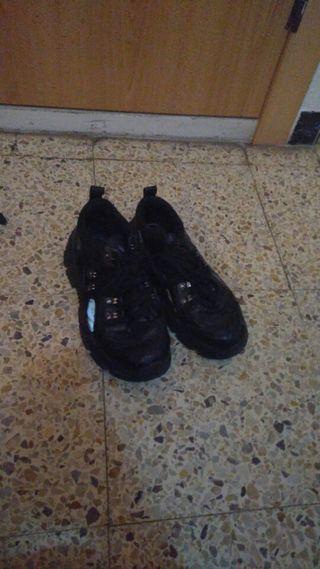 bambas negras con plataforma