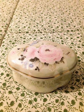 Joyero vintage flores porcelana