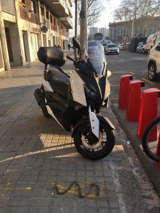 Yamaha X-Max300