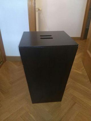 mueble cubo para almacenaje.