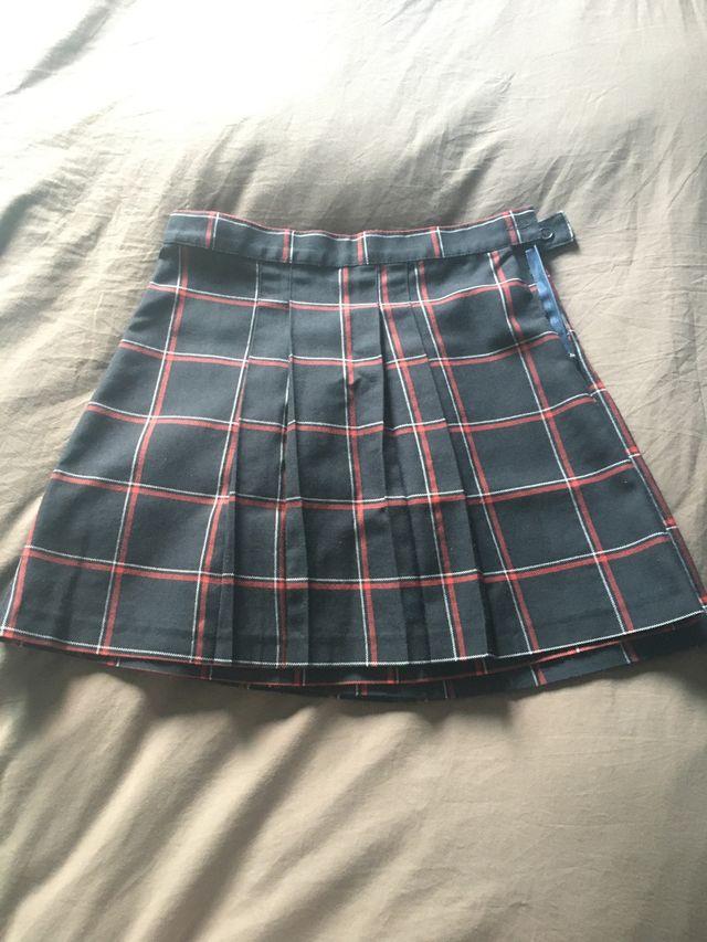 Falda uniforme