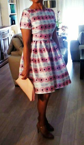 Vestido de fiesta corto flores