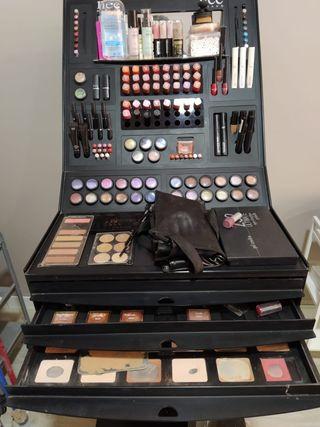 Expositor de maquillaje