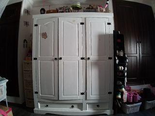 ropero , cómoda, mueble auxiliar