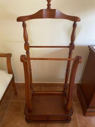 Dormitorio de madera de cereza