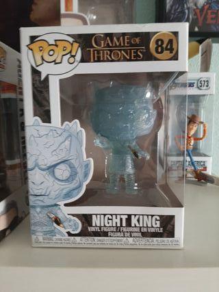 funko pop rey de la noche apuñalado trasparente
