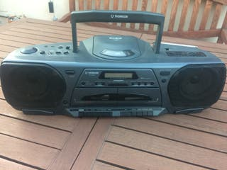 Reproductor portátil CD-Cassettes-Radio THOMSON