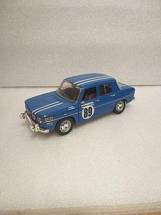 1/18 maqueta Renault 8 Gordini