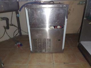 Maquina de hacer hielos profesional