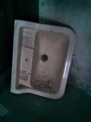 pica lavabo antic
