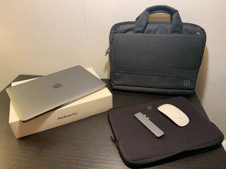 """MacBook Pro 13"""" con Touch Bar (2017) + accesorios"""