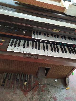 piano de los 70