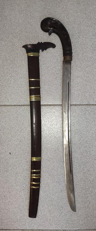machete decorativo con funda