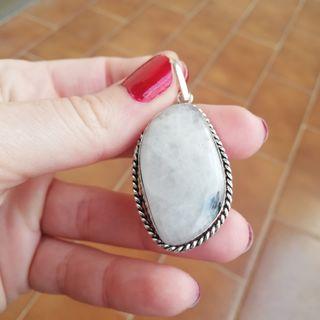 Colgante plata y piedra luna