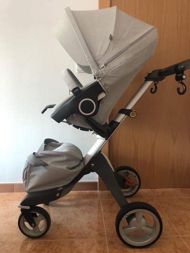 Stokke carrito gris