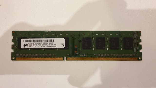 Memoria RAM 2gb DDR3 Micrón