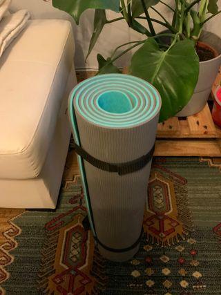 Esterilla de yoga y pilates marca Meglio