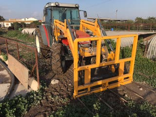 tractor Agria 885