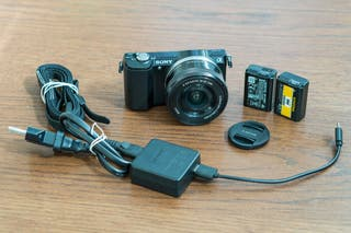 Sony A5000 con objetivo 16-50 OSS