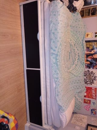 Cama IKEA + un colchón