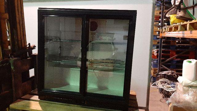 Expositor de refrescos refrigerado