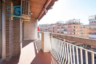 Piso en venta en Camino de Ronda - Rosaleda en Granada