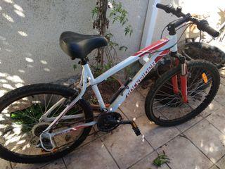 Bicicleta Rockrider mujer nueva